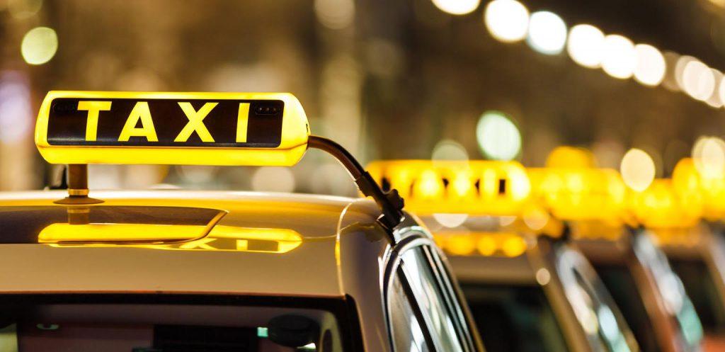 Mindenki másképp csinálja - a taxis tanfolyamokról
